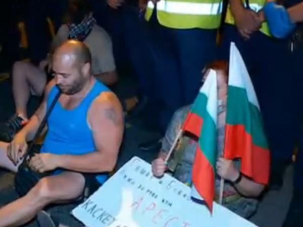 """Малко преди полунощ полицията освободи пътя до ГКПП """"Капитан Андреево""""."""