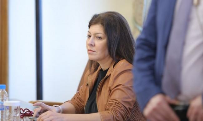 Севдeлина Арнаудова напуска МС, ще работи за изборите