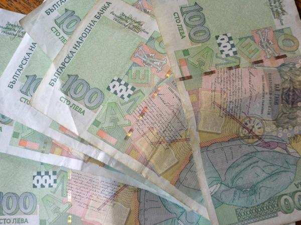 Правителството одобри ръст на бюджетните заплати на заетитe в борбата