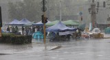 Пороят в София наводни и изпочупи палатките на протестиращите