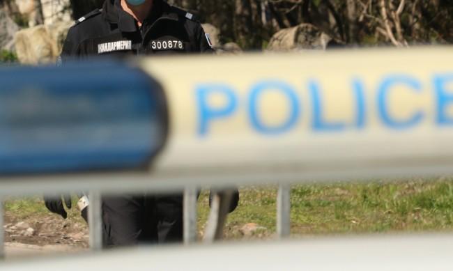 Арестуваха трима за въоръжен грабеж в Лозенец