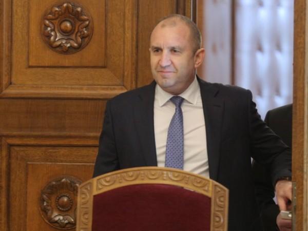 Президентът Румен Радев заяви, че българите отхвърлят пропагандата и имат
