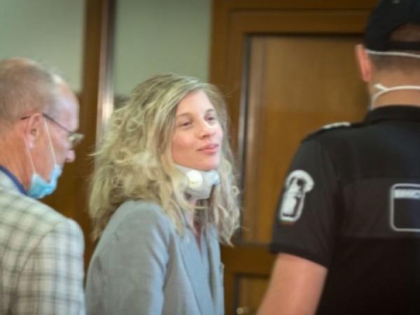 Апелативният специализиран съд пусна под домашен арест певицата и бизнесдама