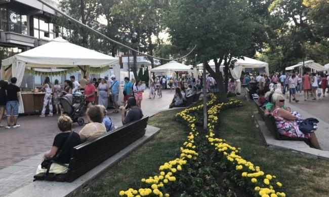 Анкета: Жителите на Варна са традиционно четящи хора