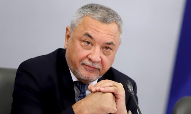 Валери Симеонов увери: Борисов остава, правителството - също