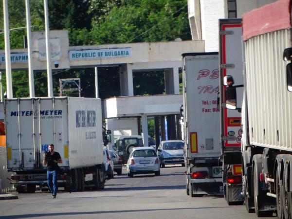 Гърция въвежда забрана за преминаване през всички сухопътни гранични пунктове