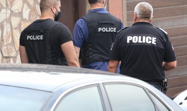 Арестуваха петима при спецакция в Нова Загора