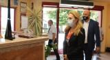 Николова на изненадваща проверка в хотел в Поморие