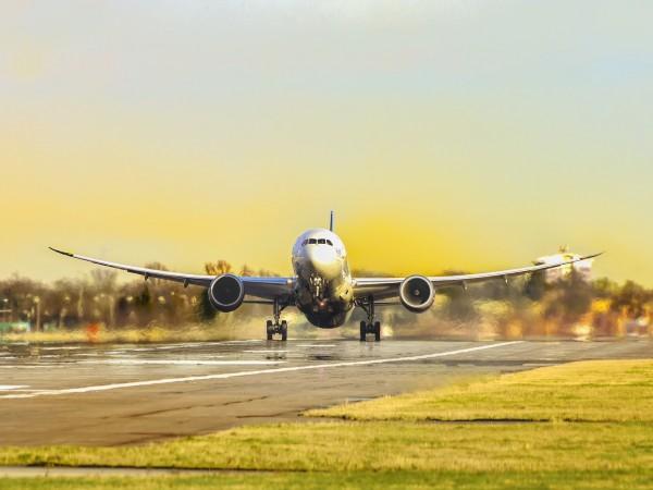 Самолет на Еър Индия Експрес със 191 души на борда