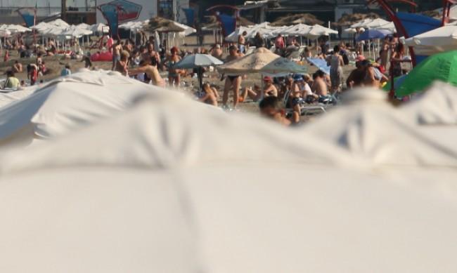 В разгара на август: Спад на цените на почивките по морето
