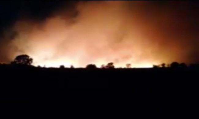 Евакуираха хасковското с. Присадец, пожарът преминал р. Тунджа
