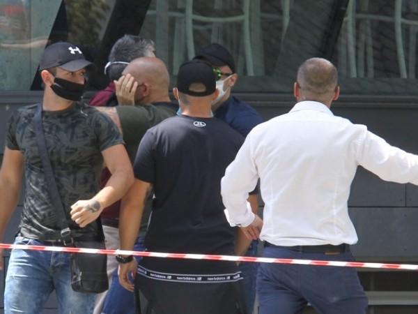 Освободиха от ареста единия от двамата задържани за нападенията на
