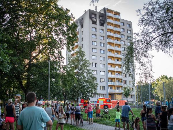 Единайсет души са загинали и 10 са ранени при пожара,