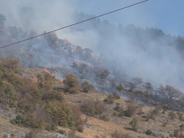 Продължава да е тежка ситуацията в Хасковски регион, пожарите край