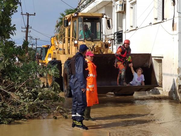 Най-малко седем души са загинали на гръцкия остров Евбея, където