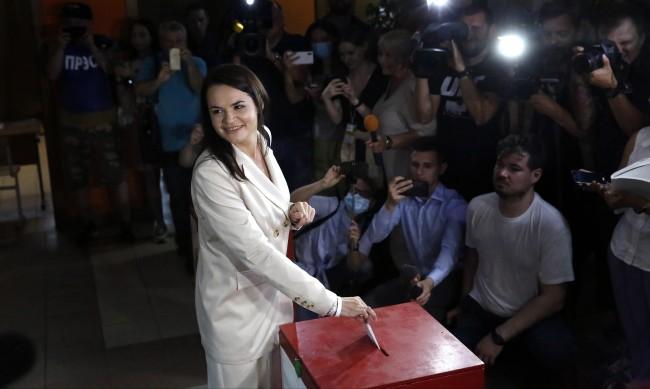Опозицията не признава изборната победа на Лукашенко