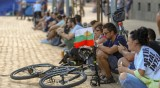 Протест за 33-и ден: Блокадите пред МС и Орлов мост остават