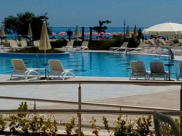 Още два хотелски комплекса в курорта Албена до няколко дни