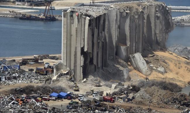 Откриха още опасни вещества на пристанището в Бейрут