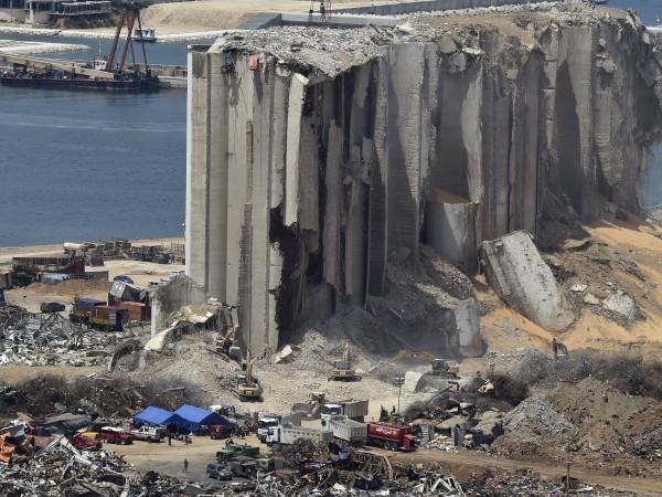 Най-малко 20 потенциално опасни контейнера с химикали са открити на