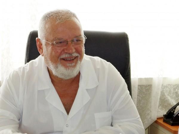 """Лекари от Университетската болница за активно лечение """"Проф. д-р Стоян"""