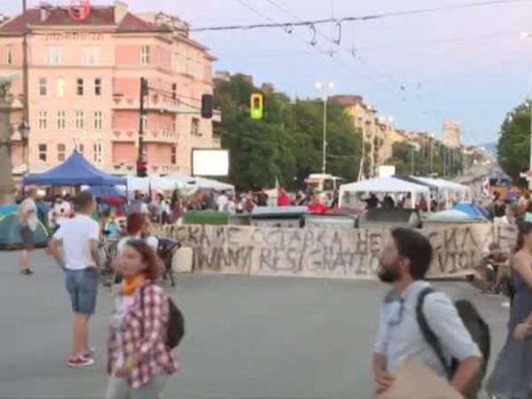 Вече повече от месец гражданското недоволство в столицата намира своя