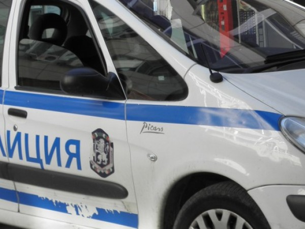 Полицейски служители на Районно управление на МВР - Сандански работят