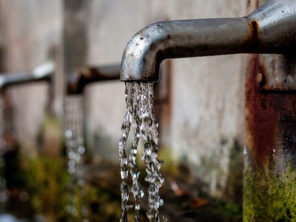 Поради намаляване на дебита на водоизточника на град Котел, се