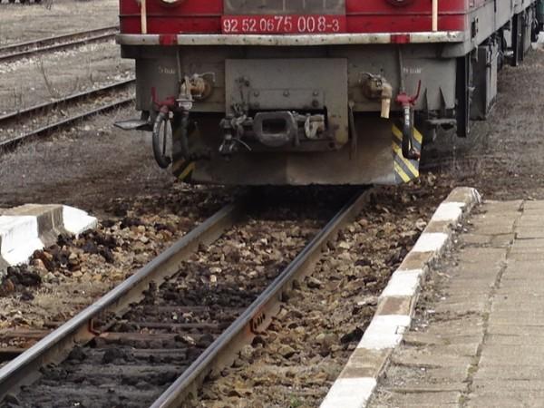 От 15:30 ч. е преустановено движението на влакове в участъка