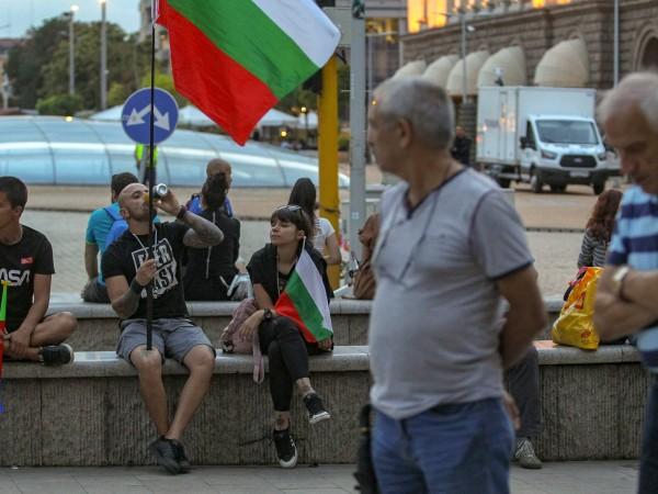 За 35-и ден протестиращите се събраха в центъра на София.
