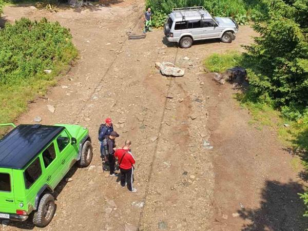 От днес, 13 август, се забранява качването на джипове край