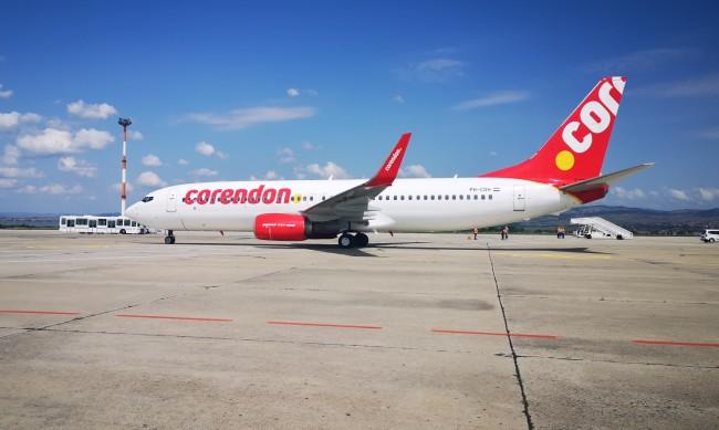 Летищата в Бургас и Варна отчитат спад на полетите с над 70%