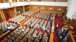 БСП не се отказва, готви нов вот на недоверие срещу правителството
