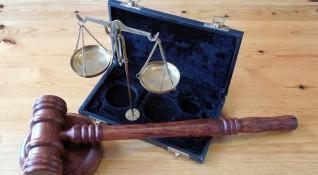 Съдът решава да остави ли в ареста арестувания с над 320 кг кокаин
