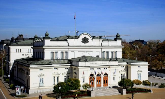 Политолог: Борисов поема инициативата, оглавява бунта срещу себе си