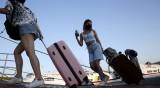 Гърция става все по-негостоприемна за туристите заради коронавируса
