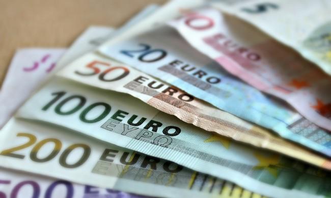 Икономиката в Европа се сви с 11,7% за три месеца