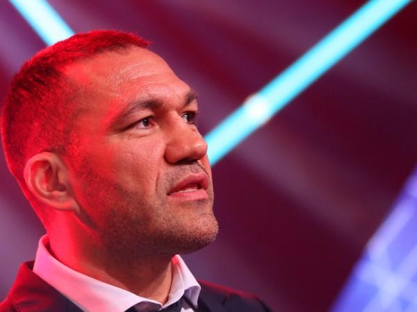 Родната звезда в професионалния бокс Кубрат Пулев засипа със закани
