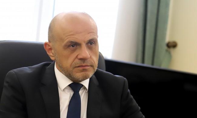 Дончев: Един политик трябва да слуша добре, а не да говори