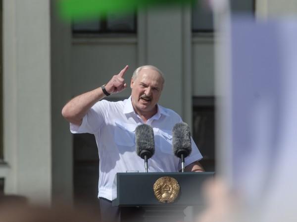На фона на масовите протести в Беларус президентът Александър Лукашенко
