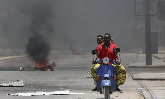 Експлозия и стрелба в Могадишу, има жертви и ранени