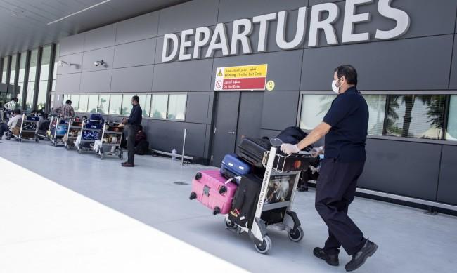 Кучета на летището в Дубай дебнат за заразени с COVID-19