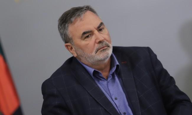 Д-р Ангел Кунчев: Руската ваксина е неизползваема в Европа