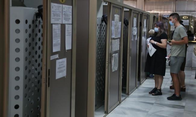 СДВР: Паспортните служби работят от 7.00 часа