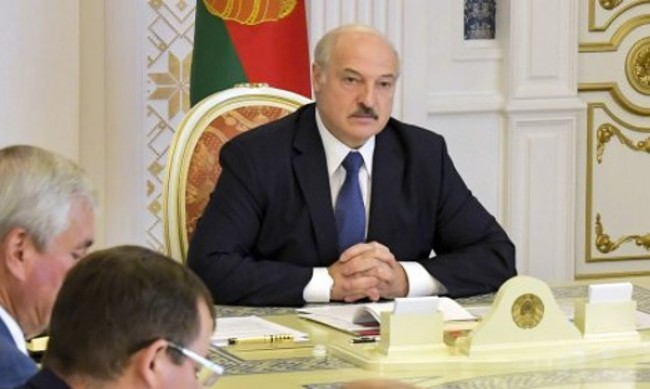 Лукашенко мобилизира военни в западен Беларус