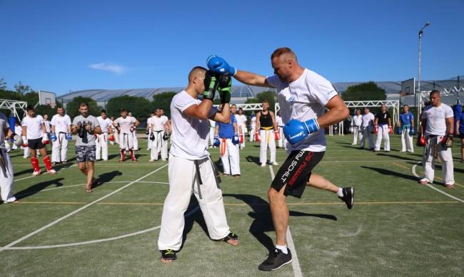 KWU International Professional League със серия майсторски тренировки начело със световни бойни величия