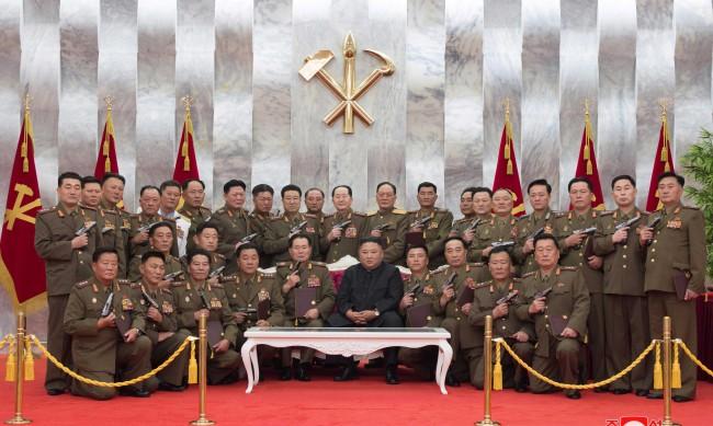 60 ядрени бомби и 5000 тона химически оръжия – запасът на Северна Корея