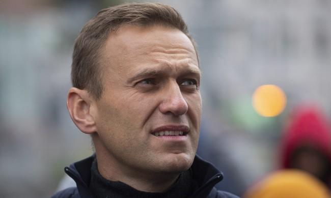 Навални в кома, състоянието му е тежко