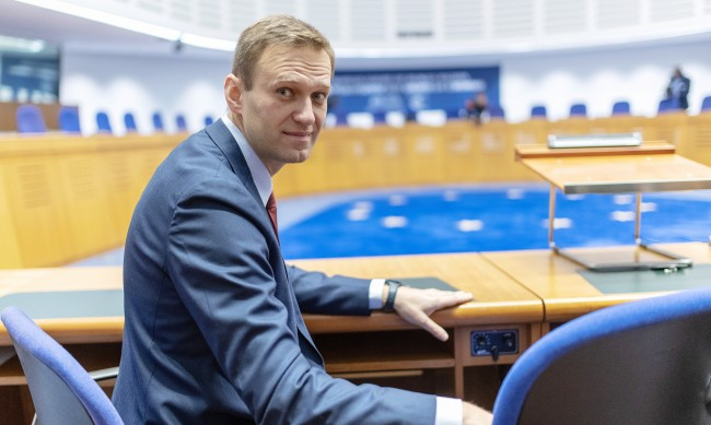 Местят Навални за лечение от Сибир в Берлин?