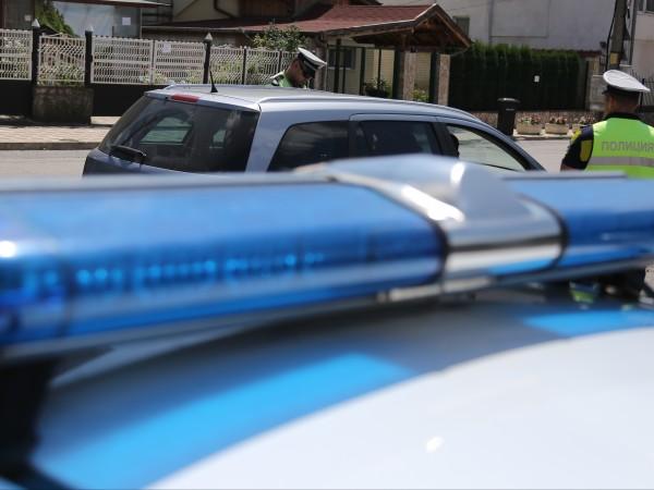 Въоръжен обра бензиностанция край Бобов дол, кражбата е станала в